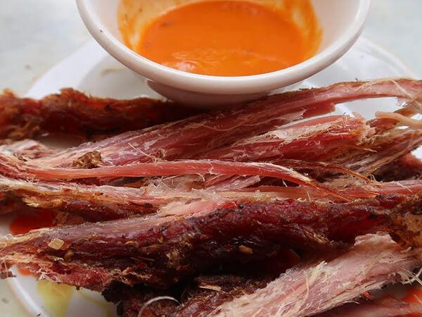 Thịt lợn gác bếp - đặc sản Bắc Kạn