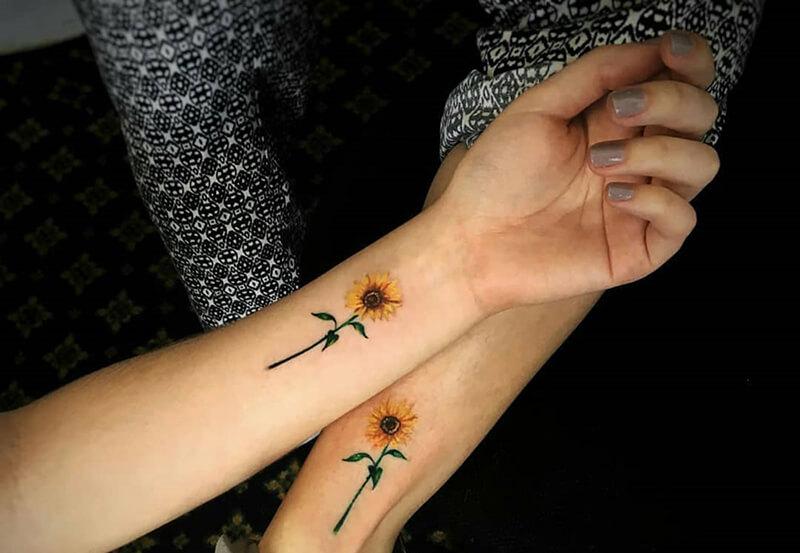 Ý nghĩa hình xăm hoa hướng dươngtrên cổ tay