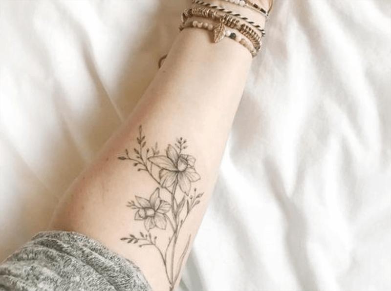 ý nghĩa của hình xăm hoa thủy tiên