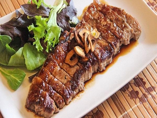 món thịt bò nướng trông thật thích mắt