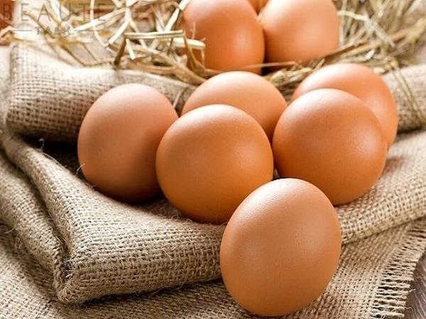 trứng gà để làm kem ký