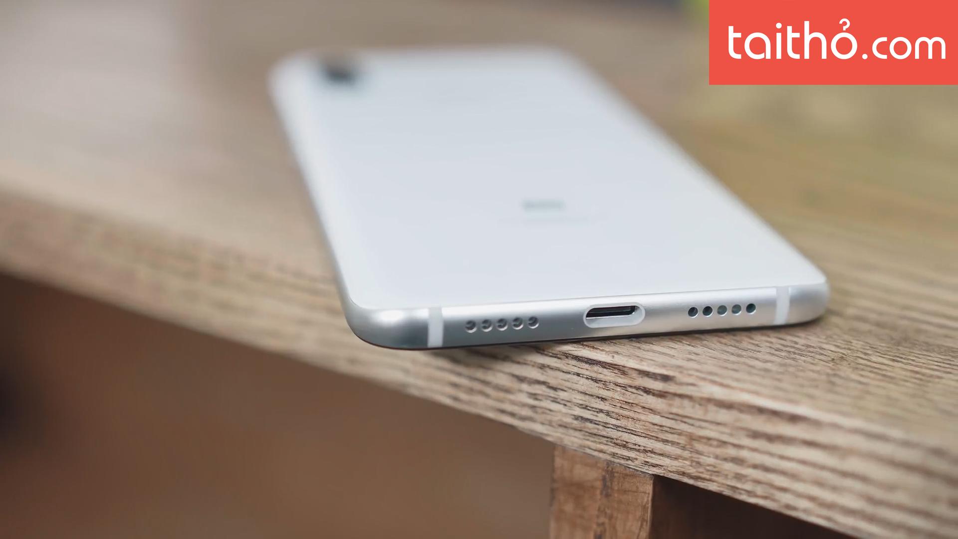 Đánh giá chi tiết Xiaomi Mi 8 - Ảnh 4