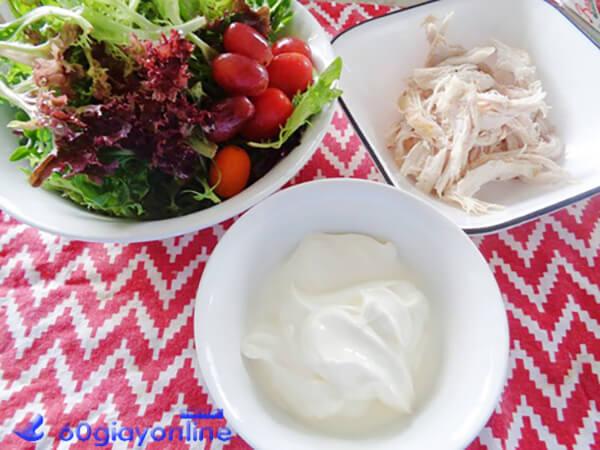 trộn salad gà