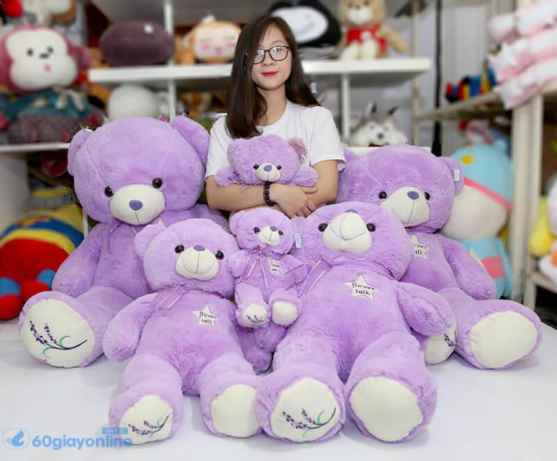 Cho dù ở tuổi nào thì các nàng vẫn thích gấu bông