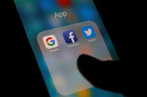 Việt Nam tuyên bố Facebook vi phạm luật an ninh mạng mới