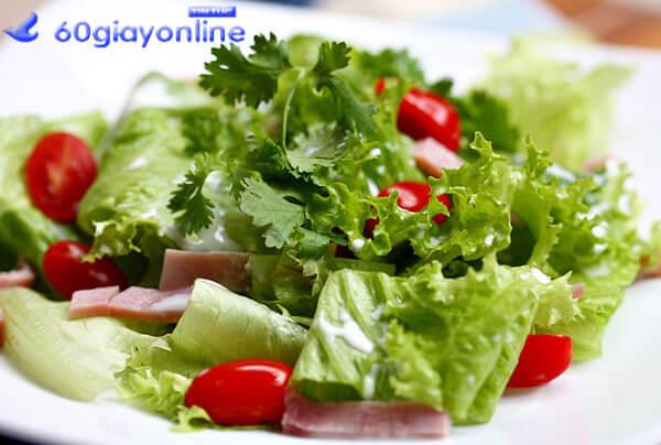 Salad ức gà sữa chua