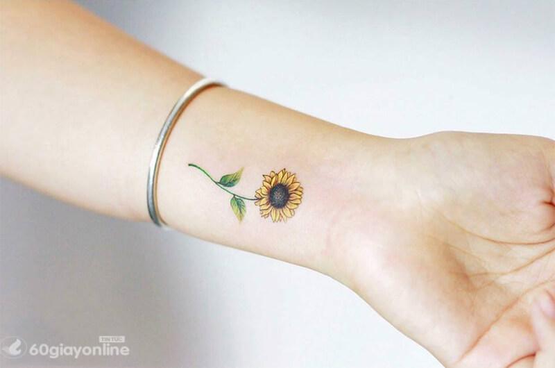 Hình xăm hoa hướng dương mang ý nghĩa sâu sắc